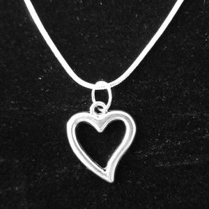 Open Heart 20""\.925 Sterling Silver Necklace300|300|?|770712913a5fad33b6bd251937b556df|False|UNLIKELY|0.3417317569255829